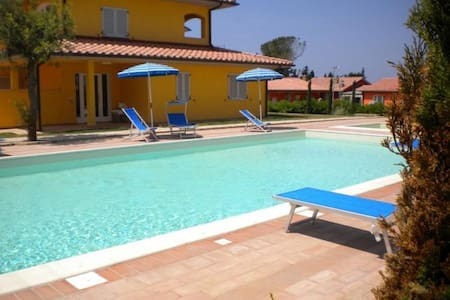 New apartment 4 pax with pool and air conditioning - Scarlino