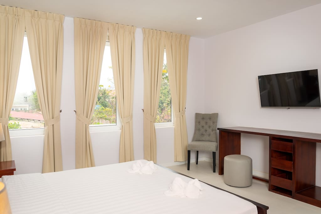 Master Bedroom | Private Bathroom | Smart LED TV