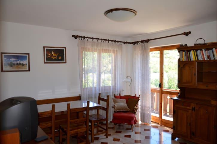 Accogliente appartamento in Cesana Torinese - Cesana Torinese - Byt