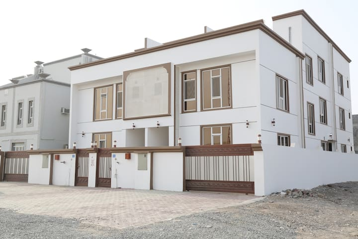 Large quiet house in Halba