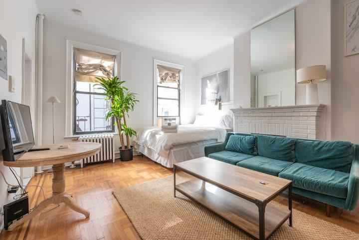 ⭐️Zen, spacious apartment in prime West Village