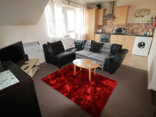 2 Bed Modern Apartment Llandaff Cardiff