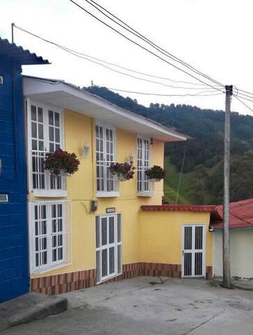 Hermosa casa entera en Marulanda, Caldas