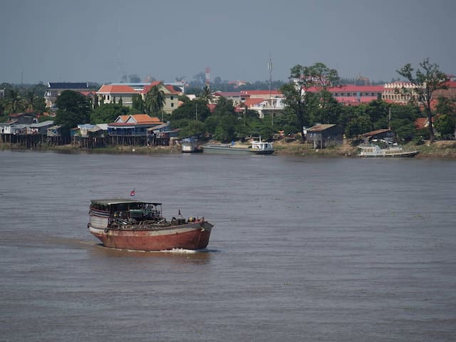 Cozy Home on the Mekong River -Live like a local.