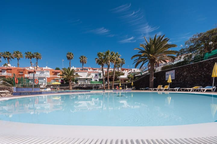 Holiday Home 'Casa Matilde' with Wi-Fi, Air Conditioning, Garden & Shared Pool