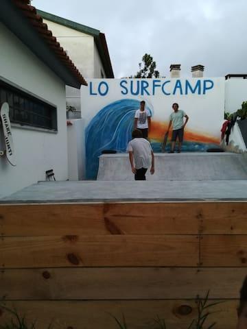 Mini half pipe in LO Surfcamp #skateboardfun#