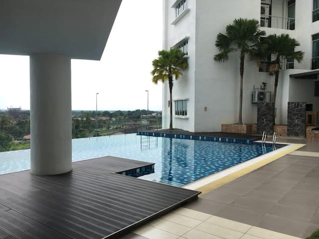 Centre Point Suite Opposite Tesco Taiping (9A)