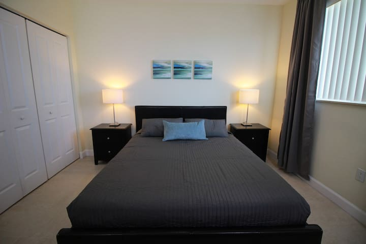 CORAL WAY | 1 BEDROOM | 3RD FLR 10