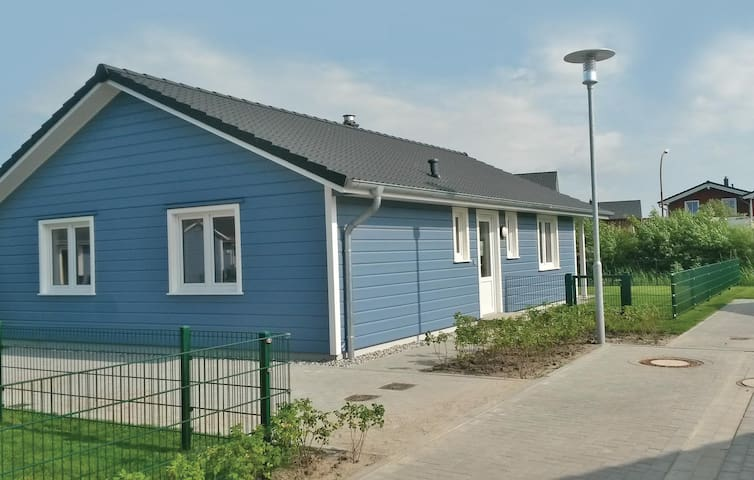 Holiday cottage with 2 bedrooms on 80 m² DSH965
