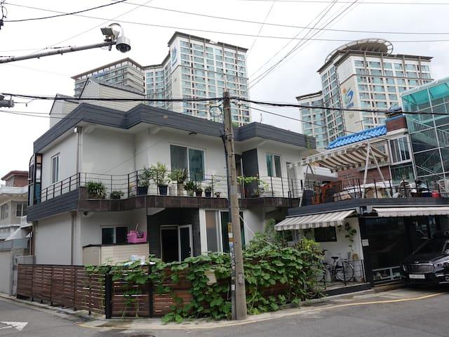 서울 테라스 있는 조용한 집