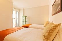 Room 2 - 2 Single Beds with Terrace