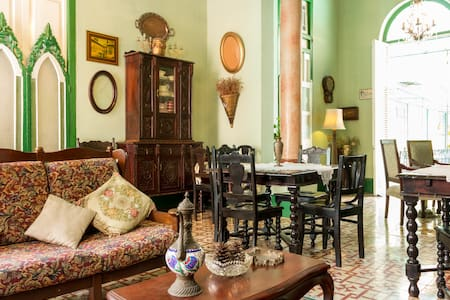 Colonial B&B in the heart of havana center - La Habana