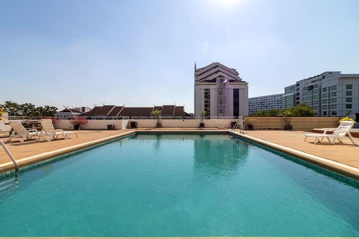My Wonderful Apartment, Panorama View