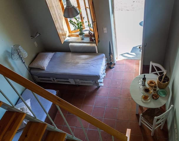 Things that are included in the Guesthouse: • Aircondition in Every flat. • Fridger, cooker, and kitchen utensils. • There is the option of having an extra baby bed. • Tables and chairs for the yard for Every flat. • Parking.