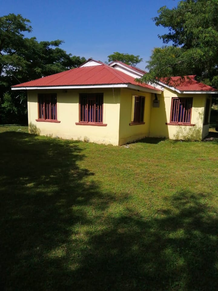 2 bedroom modern home with utilities