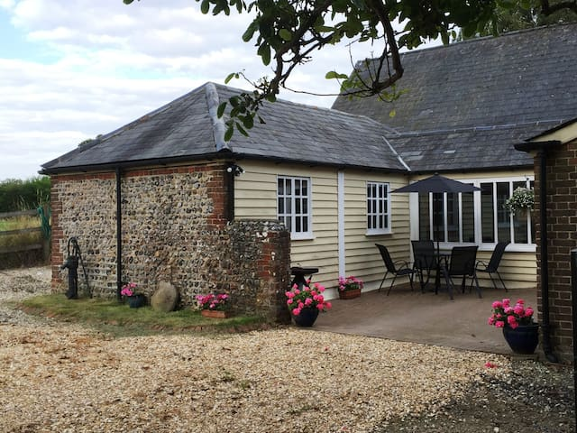 Luxurious Self Catering Cottage - Yapton - House
