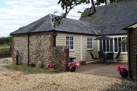 Luxurious Self Catering Cottage - Yapton
