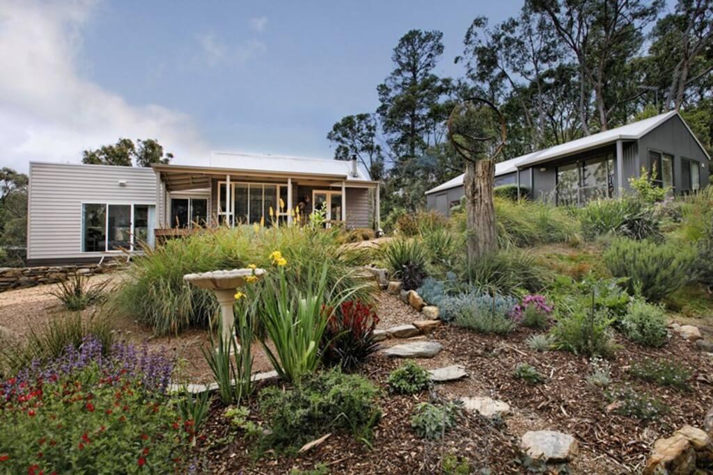 Large peaceful gardens