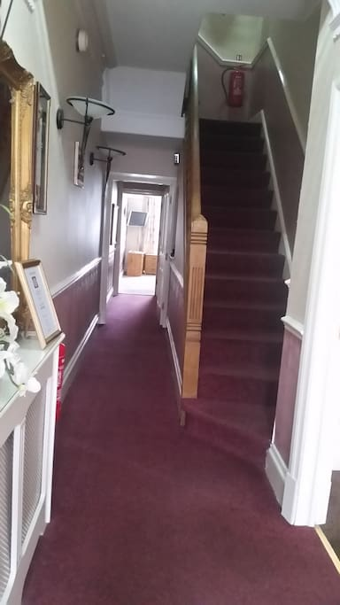 Entrance and stairs to bedrooms