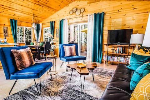 Woodsy Retreat: Swim Pinecrest/Ski Dodge! *WIFI*