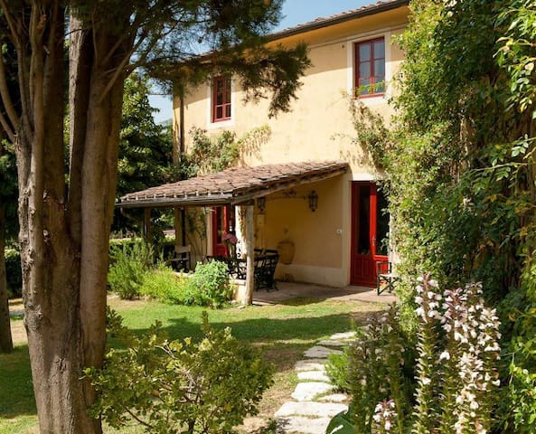 Farmhouse on the hills of Lucca - Capannori - Casa