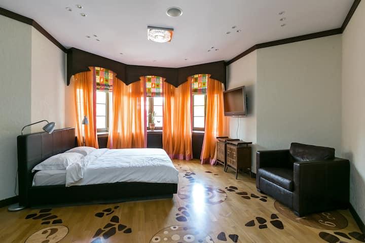 Светлая, просторная комната в Бутик-Отеле Gribovo