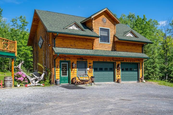 Adirondack Rustic Cabin minutes to Whiteface Ski