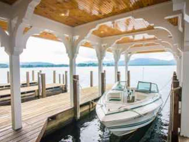 Lake George Lakeside Estate & Dock near Sandy Bay - Fort Ann - Talo