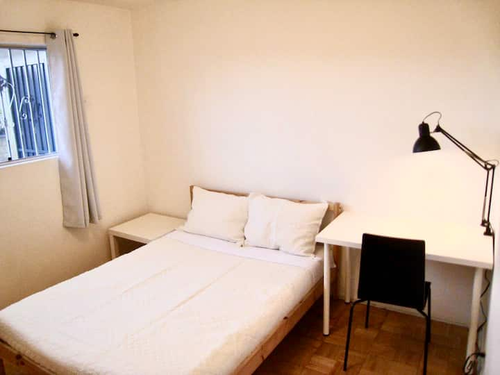 4舒适雅房安静华人区步行公园商圈 clean and peaceful cozy room