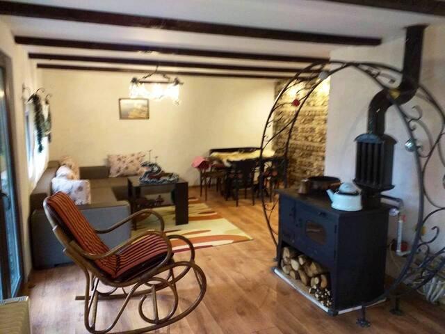 """Къща за гости"""" РАЙ""""(Еленския балкан)"""