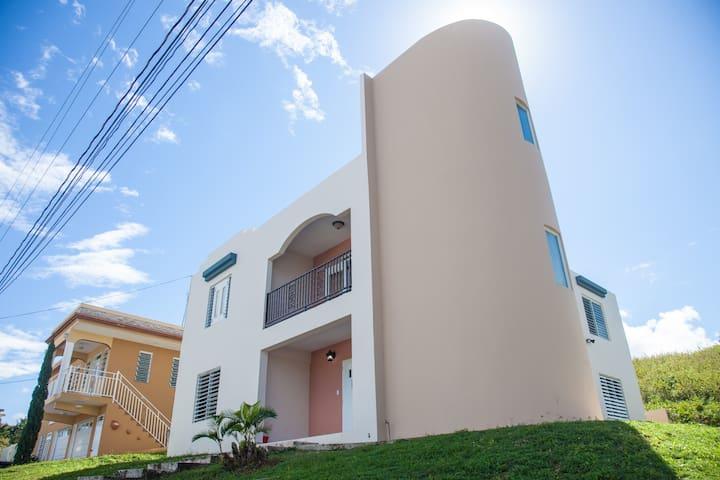 Para familias de hasta 16 personas. Wifi Gratis!! - Isabela - House