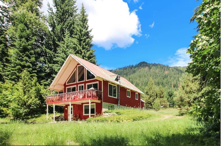 The Red Cabin - Leavenworth - Hus