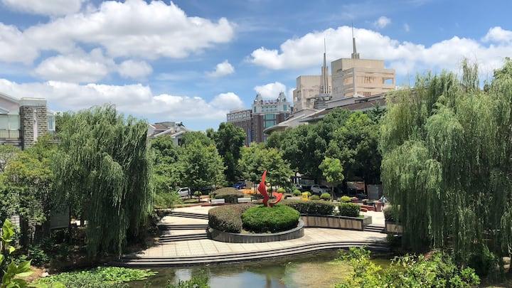 【云间】湖畔花园别墅,大景观阳台看绿草茵茵花团锦簇