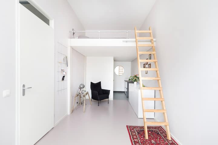 Private, spacious and stylish studio for rent!