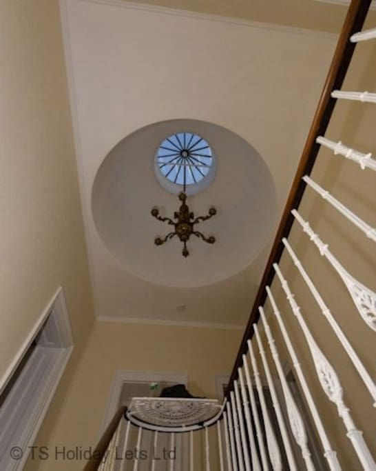 Riverside Upper Flat - feature light and stairwell