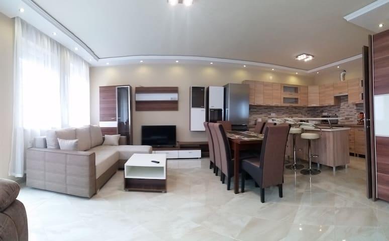 Central-Aqua Apartman - Gyula - Rumah