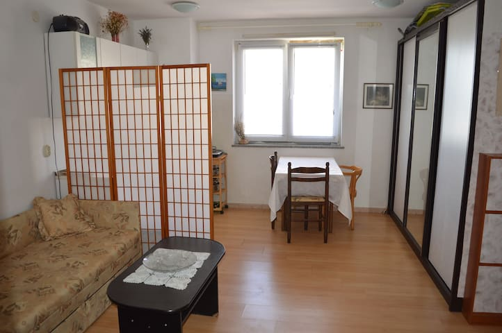 Cozy studio in Pula near the airport - Pula - Byt