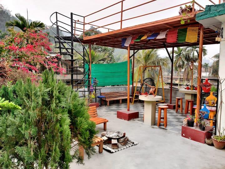 Debojani Ashralaya Travellers Hostel-OK North East