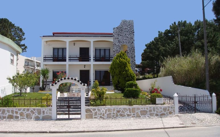 Charming Villa near Beach - Nazaré - Villa