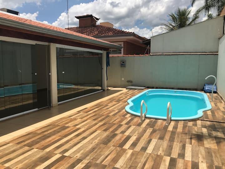 Excelente casa, Ribeirão Preto-SP.