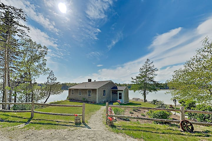 New Listing! Waterfront Cottage Near Acadia Park