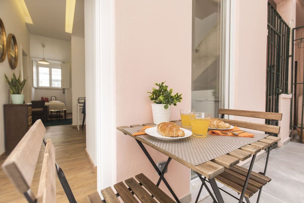 Perfect Terrace for a summer breakfast