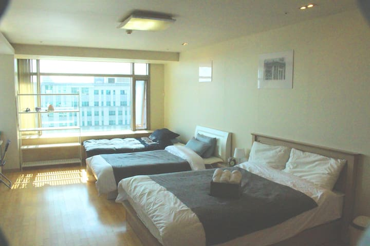 #(Family studio)Very close to Incheon airport - Jung-gu - Casa