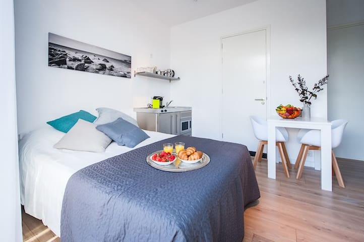 New and luxury studio-apt in Hilversum