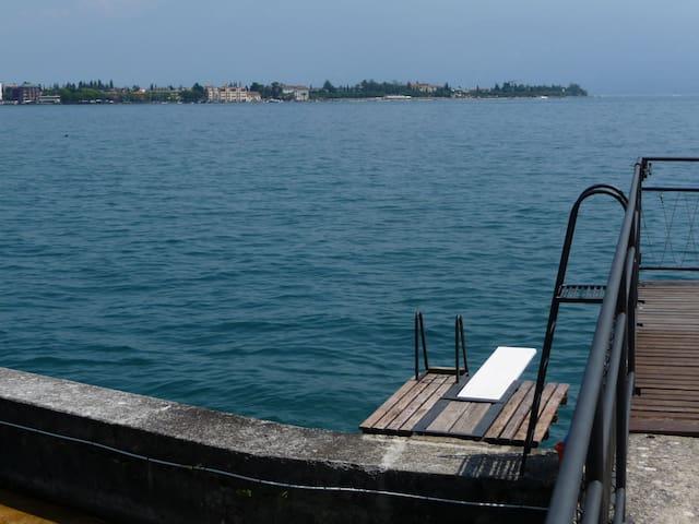 Garda lake 'pieds dans l'eau' - Gardone Riviera-Fasano del Garda - Huis