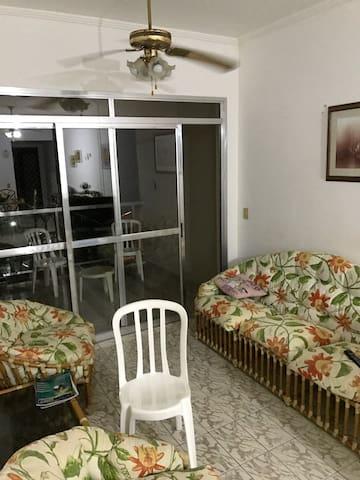 CONFORTÁVEL APTO 2QT EM UBATUBA - Ubatuba - Apartamento