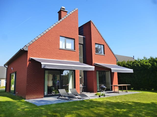Architect designed family house. - Mouscron