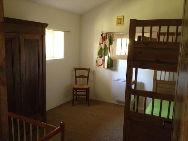 La chambre verte (petit gîte).