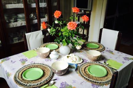 Casa liberty con giardino - Perugia