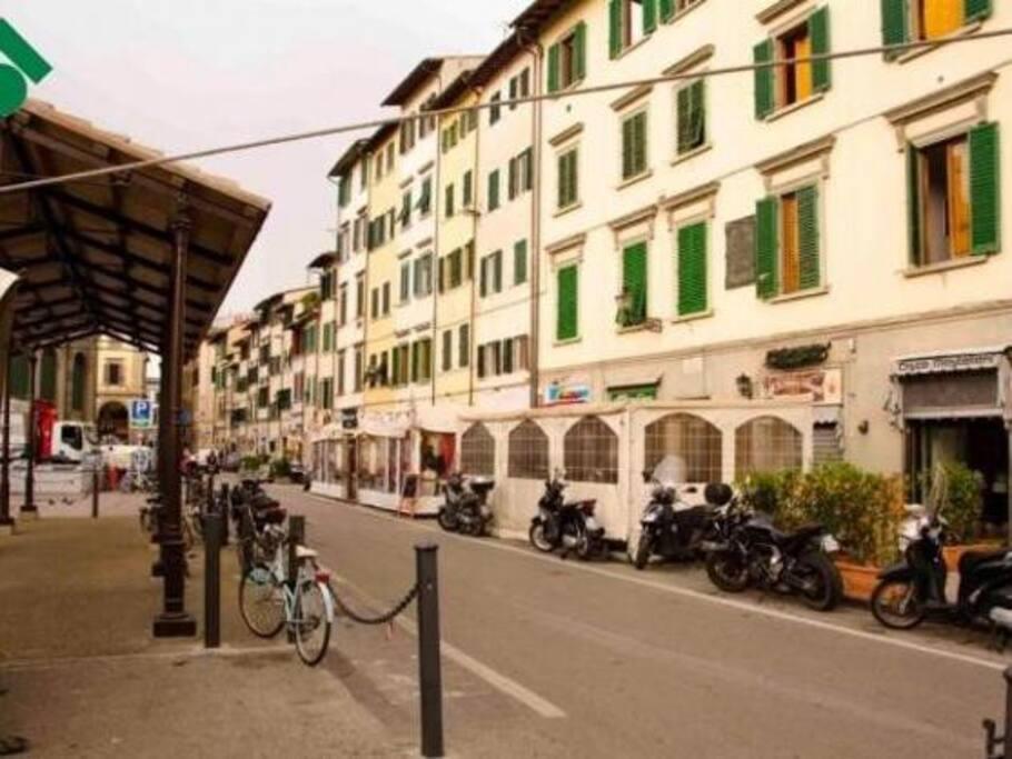 Appartamento al centro storico di firenze appartamenti for Appartamenti al centro di barcellona